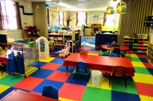 Colorful-Furniture-Sets-and-Tiles-in-Preschool-Kindergarten-Classroom-Themes-Decorating-Design-Ideas