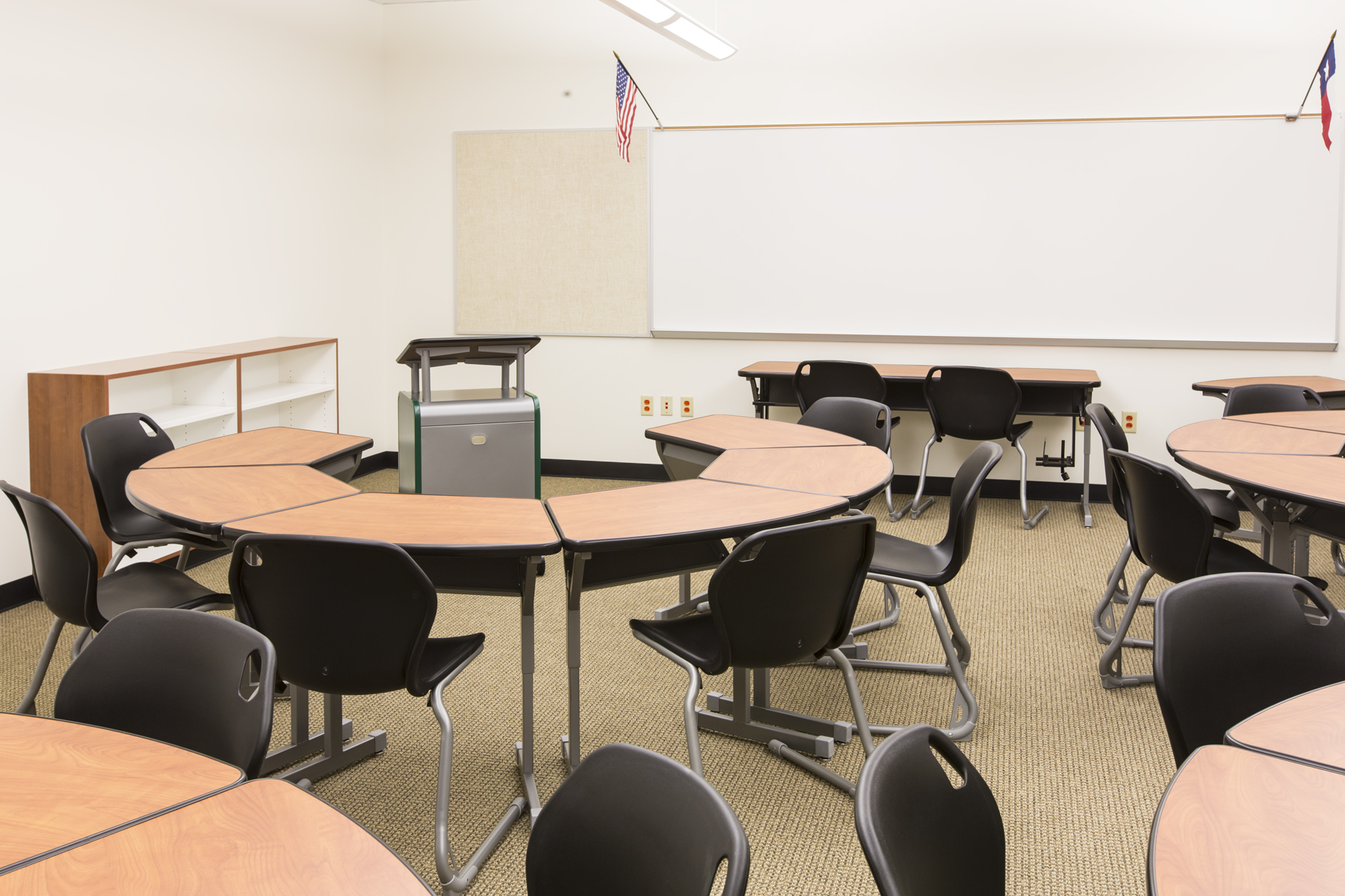 Classroom Furnitures : School college furniture